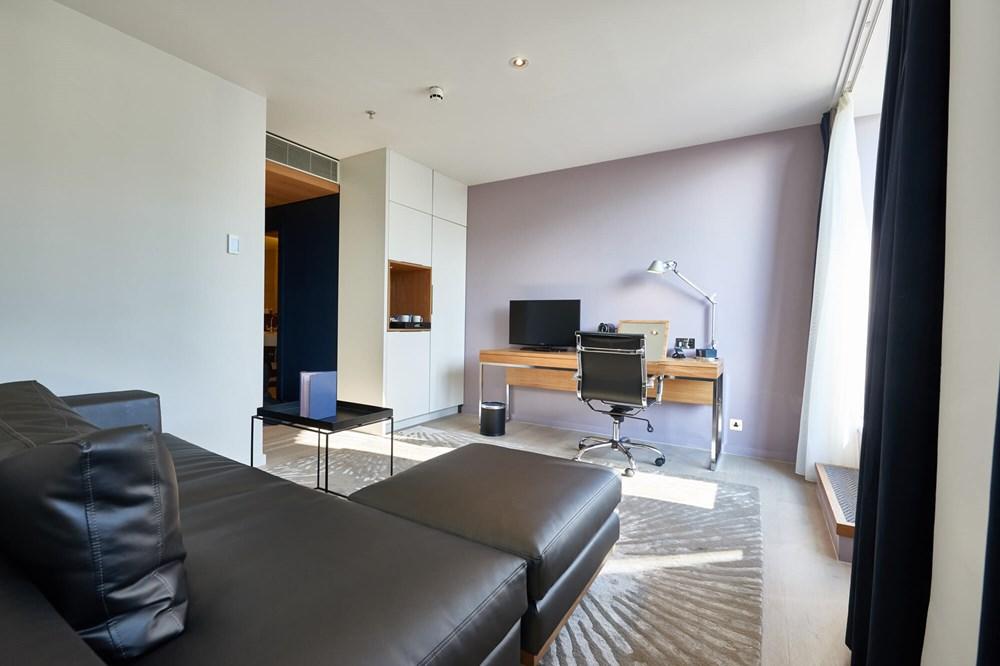 Junior Suite living area at Apex City of London Hotel