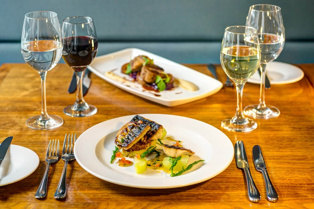Fish dinner at Elliot's restaurant with wine